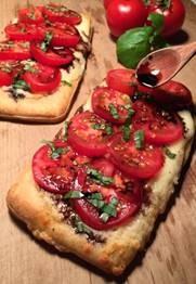 Caprese CheeZee® Bread